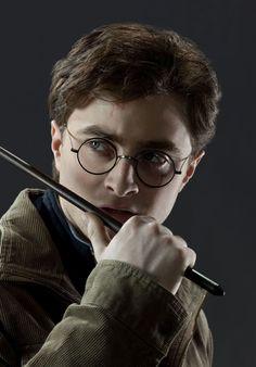 Harry Potter (Foto: Reprodução)  Você é fã de Harry Potter? Se sim, vai se amarrar nessa. A famosa saga de livros e filmes do bruxo será adaptada para uma série live-action, e vai ser transmitida na HBO Max. As informações são do The Hollywood Reporter. saiba mais Quem e Regé-Jean Page e por que seu personagem em 'Bridgerton' fez tanto sucesso Passar uns dias na casa de Harry Potter agora é uma reali