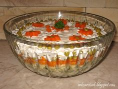 Śledzik pod kołderką Punch Bowls, Love Food, Pudding, Desserts, Recipes, Blog, Cooking Recipes, Cooking, Tailgate Desserts