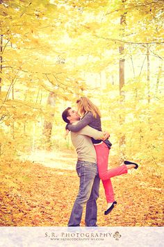 Engagement photos, Engagement photography Ideas, Wedding photography, wedding ideas, Kenosha Photographers, Husband and wife team, Wisconsin Photographer www.srphotography-wi.com