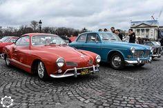 #Volkswagen #Karmann_Ghia et #Volvo #Amazon à la Traversée de #Paris hivernale 2016. Reportage complet : http://newsdanciennes.com/2016/01/10/grand-format-traversee-de-paris-hivernale-2016/ #Vintage #VintageCar #Voiture #Ancienne