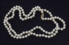 A SINGLE STRAND CULTURED PEARL NECKLACE. Lot 150-7015 #pearls #jewelry