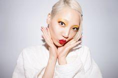 Keeping it platinum blonde on set with Soo-Joo Park. Platinum Hair Color, Pure Platinum, Platinum Blonde, Honey Highlights, Bright Blonde, Beauty Magazine, Loreal Paris, Beauty Routines, On Set
