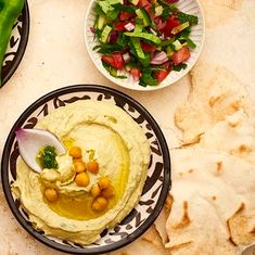 Klassische Hummus-Kichererbsencreme | Das Rezept Yotam Ottolenghi, Hummus, Yummy Veggie, Veggies, Low Carb, Eat, Ethnic Recipes, Food, Dips