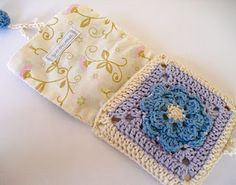 Lovely granny-style, lined pouches. Scroll down the page at this French site to see more.