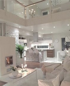 Gorgeous 45 Beautiful Glam Kitchen Design Ideas to Apply http://kindofdecor.com/index.php/2018/05/17/45-beautiful-glam-kitchen-design-ideas-to-apply/