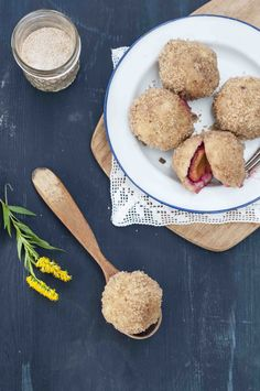 Feine Pflaumen Knödel aus Kartoffelteig! Einfach zu machen und am besten noch warm geniessen!