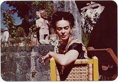 Frida Kahlo: Notas Sobre una Vida / Notes on a Life - Exhibitions ...