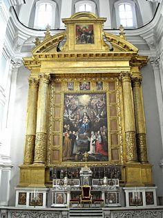 """Our Lady of Rosary with Saints"" (1612) by Giovanni Bernardino Azzolino (Cefalù 1572-Naples 1645) - Frame: wooden and gilded architecture (1st half 17th century) - Church of Santa Maria della Sanità in Naples | da * Karl *"