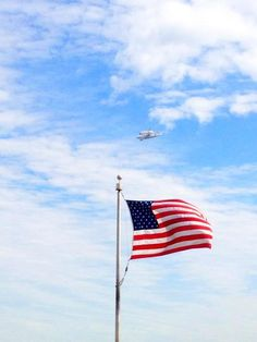 The Space Shuttle Discovery over DC