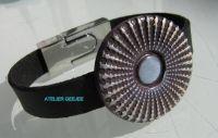 armband van zwart kunstleer met polymeerklei