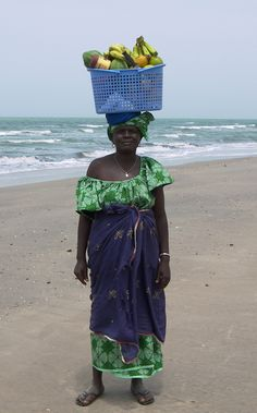 Fruit lady on Kololi Beach, Gambia (@Brimstone Dreams)