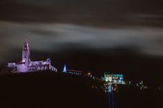 Larga Exposición del paso de las nubes en una noche de diciembre de 2015  sobre el cerro de Monserrate.