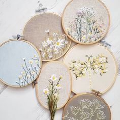Wonderful Ribbon Embroidery Flowers by Hand Ideas. Enchanting Ribbon Embroidery Flowers by Hand Ideas. Floral Embroidery Patterns, Hand Embroidery Stitches, Silk Ribbon Embroidery, Modern Embroidery, Embroidery Hoop Art, Cross Stitch Embroidery, Embroidery Designs, Broderie Simple, Couture