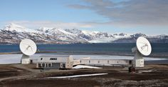 In the distant north, research needs to be adapted to the climate – Geo-observatory on Svalbard, Norway by LPO Arkitekter. Alesund, Bane, Opera House, Mountains, Building, Nature, Travel, Naturaleza, Viajes