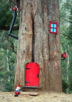 Gnome House in a tree, I REALLY want to do this to one of our trees....or all of them.