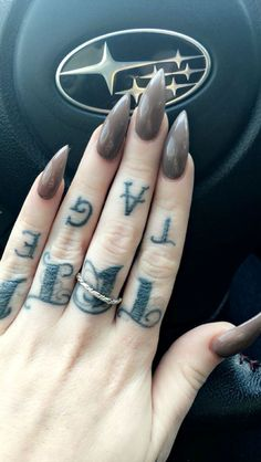 light brown stiletto nails ✨