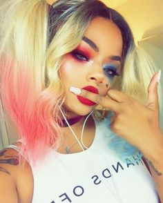 Okayy so she is fucking gorgeous, her makeup skills is incredible. I want her to be Harley Quinn now Makeup Goals, Makeup Tips, Makeup Ideas, Creative Makeup Looks, Bare Face, Harley Quinn Cosplay, Cute Costumes, Everyday Makeup, Halloween Makeup