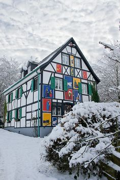 Solingen ~ is located in the northern region of called Bergisches Land, Germany