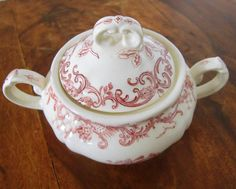 Vintage German transferware  Vintage small sugar bowl with pretty floral decor manufactured by Villeroy & Boch. Patern: VALERIA (red).  Made in