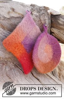 """Felted DROPS pot holders in """"Big Delight"""". ~ DROPS Design Just bought the yarn for this project! Wet Felting Projects, Felting Tutorials, Knitting Projects, Knitting Tutorials, Knitting Patterns Free, Free Knitting, Free Pattern, Finger Knitting, Scarf Patterns"""