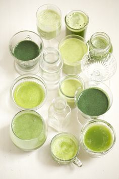 How to Make a Clean Green Smoothie | Candice Kumai