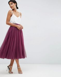 Glam up your style with this princess tulle skirt.