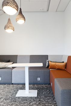 POINT office sofa solutions are multiple sized sofa modules that allows you to create the shape and size sofa group that you need. Flexible Furniture, Breakout Area, Office Sofa, Modular Sofa, Polyurethane Foam, Upholstery, Dining Table, Lounge, Concept