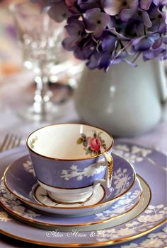 Beautiful lavender china tea set with hydrangeas - gorgeous! Vintage Dishes, Vintage China, Vintage Teacups, Tea Cup Saucer, Tea Cups, Keramik Vase, Teapots And Cups, My Cup Of Tea, Tea Service