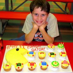 Pac Man cake and cupcakes Cake Cookies, Cupcake Cakes, Cupcakes, Pac Man Cake, Pac Man Party, Cookie Pie, Man Birthday, Party Ideas, Treats