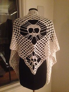 Here is the pattern og the skull-shawl. I hope you will like it. If you use a thin jarn, use double thread.