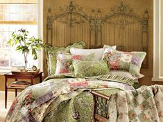 Love the Garden Gate headboard