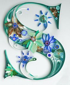 """Paper Quilling Letter """"S"""" に対する画像結果 Arte Quilling, Quilling Letters, Paper Quilling Patterns, Quilled Paper Art, Quilling Paper Craft, Diy Paper, Paper Crafts, Quilled Creations, Diy Letters"""