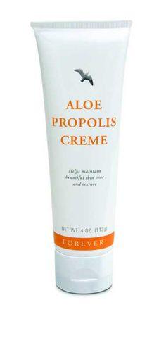 Aloe Propolis Creme... Een bijzonder effectief verzorgingsproduct van Forever Living Products is de Aloe Propolis Creme. Deze crème bevat naast 74,4% gestabili seerde aloë vera gel ook propolis van de honingbij. De propolis bestaat uit meervoudige aminozuren, vitaminecomplexen en waardevolle structuur bouwstenen voor de ondersteuning bij het herstel van de huid. De extracten uit kamille hebben een kalmerende uitwerking op de huid. De huid wordt door de aanvulling van vitamine A en E…