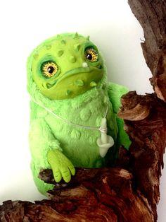 FANTASY PLUSH ANIMALS Prickly Jack Ooak Fantasy Creature Doll Art Frog Sculpture…