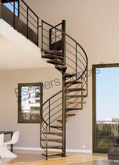 Escalier SPIR'DÉCO® Kit Loft. Escalier acier d'intérieur hélicoïdal standard de notre gamme Initiale avec option bois sur les marches. - Modèle déposé d'#EscaliersDécors - Offrez-vous la qualité au meilleur prix - petit budget - © Photo : Pierre-Yves BAUDOIN