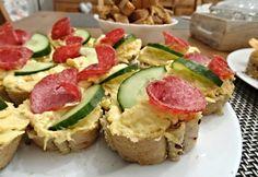 Ty nejlepší pomazánky na jednohubky, kanapky a obložené chlebíčky | ReceptyOnLine.cz - kuchařka, recepty a inspirace Tuna, Ham, Zucchini, Sushi, Brunch, Food And Drink, Low Carb, Snacks, Vegetables
