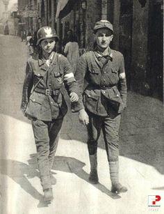 sierpnia 1944 , Na niektórych ulicach Powiśla panuje względny spokój. Flagi biało-czerwone sprawiają odświętne wrażenie. Ulica Tamka - od nr...