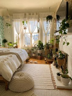 Room Design Bedroom, Room Ideas Bedroom, Bedroom Inspo, Bedroom Decor, Boho Bedrooms Ideas, Nature Bedroom, Garden Bedroom, Aesthetic Room Decor, Cozy Room