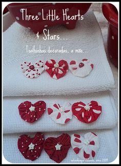Lindas toalhinhas brancas, decoradas a mão, uma a uma, com FUXICOS-CORAÇÃO!, em tecido 100% algodão, estampas em vermelho e branco, bolinhas, e florais... Super fofas, higienizadas, chegam as suas mãos ou de seus convidados, prontinhas e perfumadas, para o uso imediato! ATENÇÃO! ATENÇÃO! devido a manualidade exigida neste item, todinho feito a mão... o PRAZO para quantidades, é maior, ok? consulte! R$7,90
