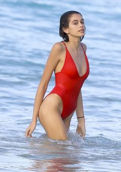 Kaia Gerber in Red Swimsuit at the Beach in St. Barts Kaia Gerber Style, Outfits and Clothes. Kaia Jordan Gerber, Kaia Gerber, The Bikini, Sexy Bikini, Bikini Girls, Kaia Crawford, Cindy Crawford, Bikinis, Swimsuits