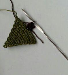 Haak by Daphne: O dennenboom Christmas Fair Ideas, Winter Christmas, Christmas Decorations, Crochet Winter, Crochet Patterns, Crochet Ideas, Tapestry, Wool, Ornaments