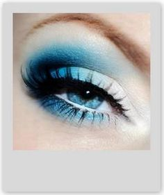 Enhance Your Blue Eyes Beauty With Accurate Eye-Shadow