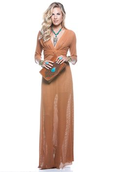 Vestido e clutch. #verão2015 #brasileríssima #Brasil #vestido #dress #clutch #pedranatural