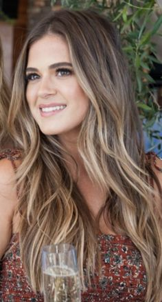 Girls street style hair where to go where to shoot – Page 11 – Hairstyle Brown Hair Balayage, Hair Color Balayage, Hair Highlights, Daniel Golz, Hair Color And Cut, Brunette Hair, Great Hair, Hair Dos, Pretty Hairstyles