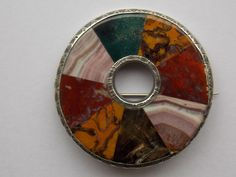 Beautiful Victorian Scottish silver and mixed agate circular brooch, 4.8cm diam