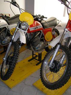 Motor Company, Dirt Bikes, Vintage Racing, Dirt Biking, Dirtbikes