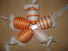 Velikonoční vajíčka - melírovaně oranžová s bílou