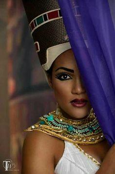 "The Making Of My ""Queen Nefertari"" Egyptian Themed Shoot - Terry . Egyptian Makeup, Egyptian Fashion, Egyptian Women, Egyptian Goddess, Egyptian Art, African Beauty, African Women, Queen Nefertari, African Goddess"