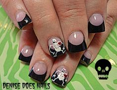 Halloween nails- skeletons