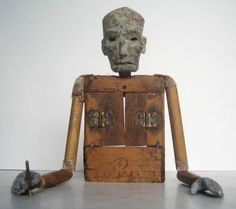 Erik Sanko is a musician, artist and marionette-maker living in New York City.